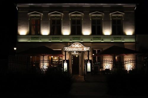 restaurant-zehlendorf-wirtshaus-zehlendorfer-hof-bei-nacht-bild-1.jpg