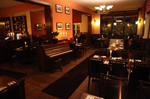 restaurant-zehlendorf-wirtshaus-zehlendorfer-hof-bei-nacht-bild-6.jpg